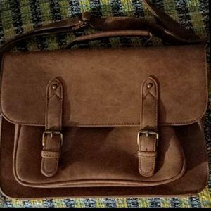 Typo 🌱 Vegan Leather Messenger Crossbody Bag